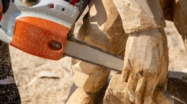 chainsaw carving ease of use